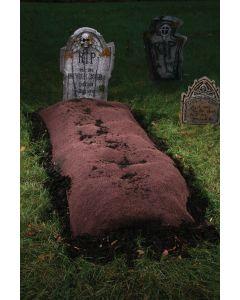 Grave Mound w/6 Stakes